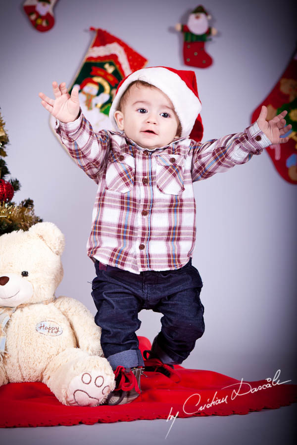 Aris - Christmas Photo Session by Photographer Cristian Dascalu