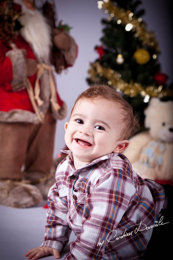 Aris - Christmas Photo Session by Photographer Cristian Dascalu