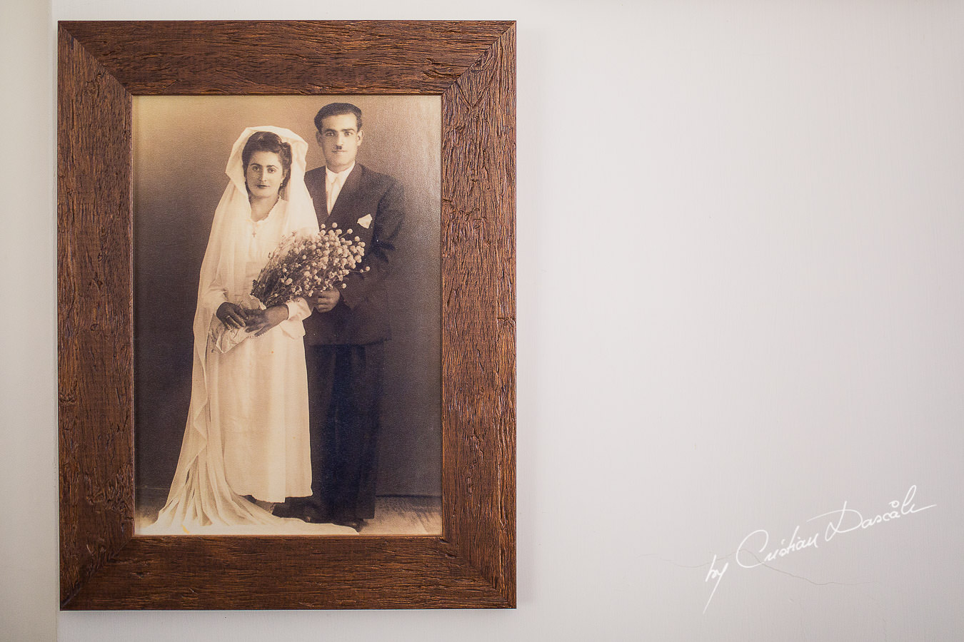 Vintage wedding photo frame, captured at a wedding in Cyprus by Photographer Cristian Dascalu.