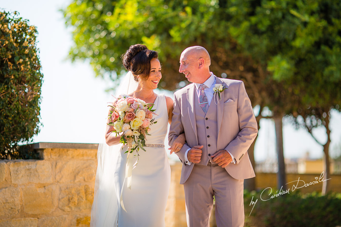 The arrival of the bride, moments captured by Cristian Dascalu during an elegant Aphrodite Hills Wedding in Cyprus.